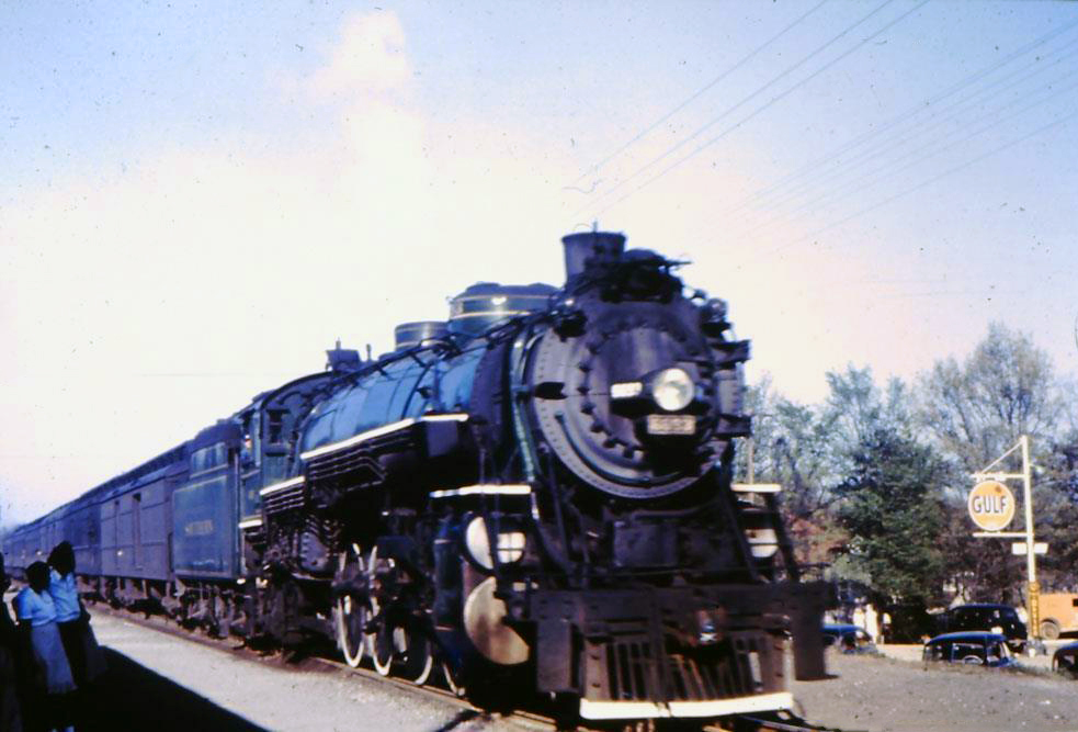 """4-8-2 """"Mountain"""" Locomotives: Photos And Specifications"""