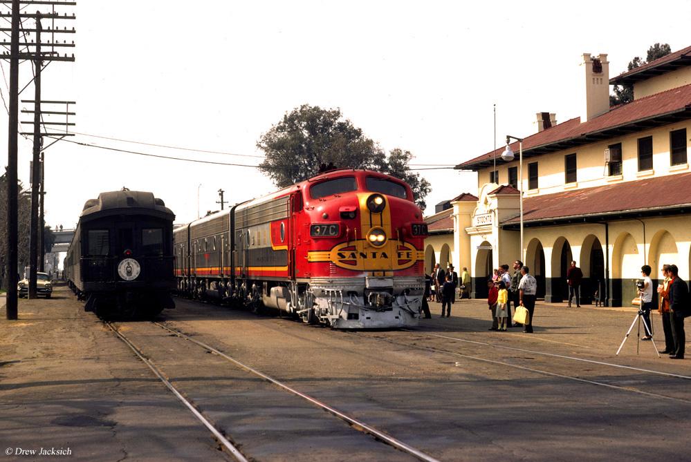 Streamliners The Classic Passenger Train