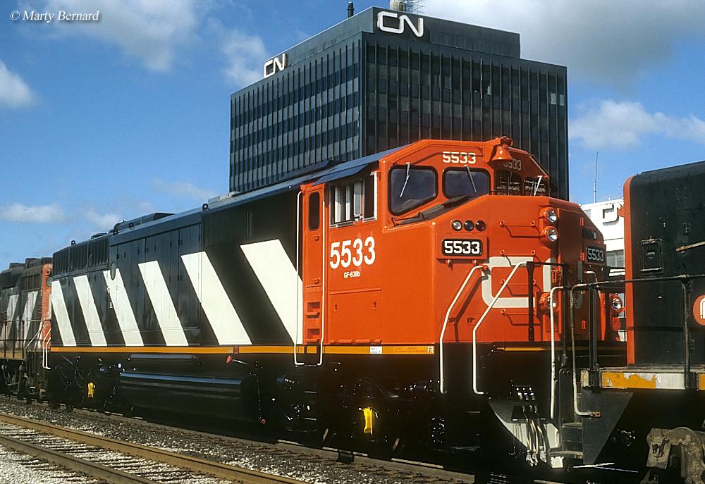 CN DASH 8 Cowl Unit